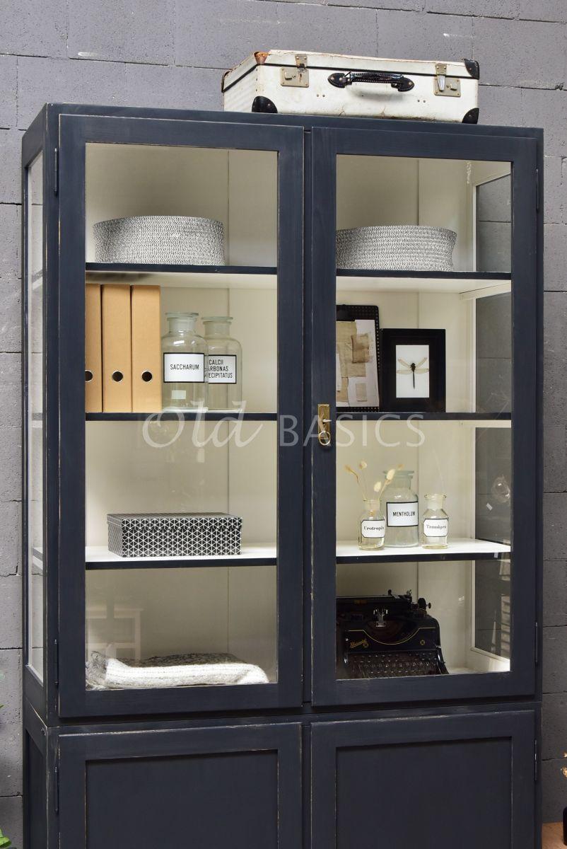 Detail van Vitrinekast Jeanette, 2 deuren, RAL7021, zwart, grijs, materiaal hout